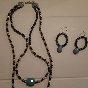 Jewelry - Beaded necklace set